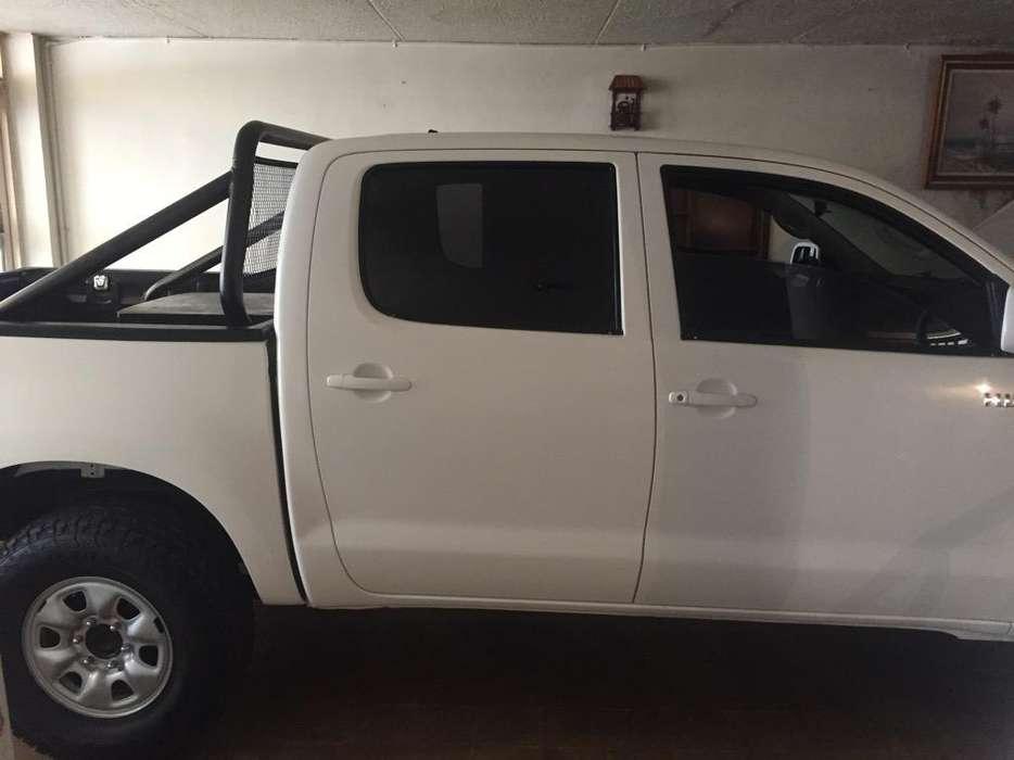 Toyota Hilux 2013 - 150000 km