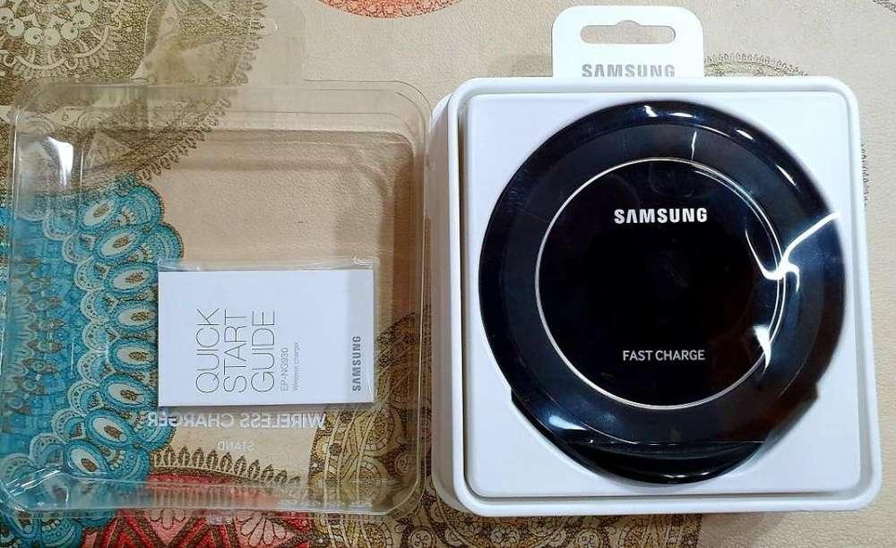Cargador rápido Inalambrico Samsung Original. Casi sin uso.