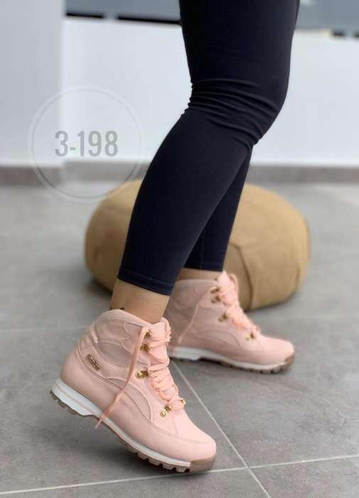 Hermoso Calzado de Moda