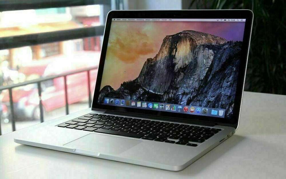 MacBook Air (13 Inch) Intel Core i5 1.6 GHz - Ram 8GB- 2015
