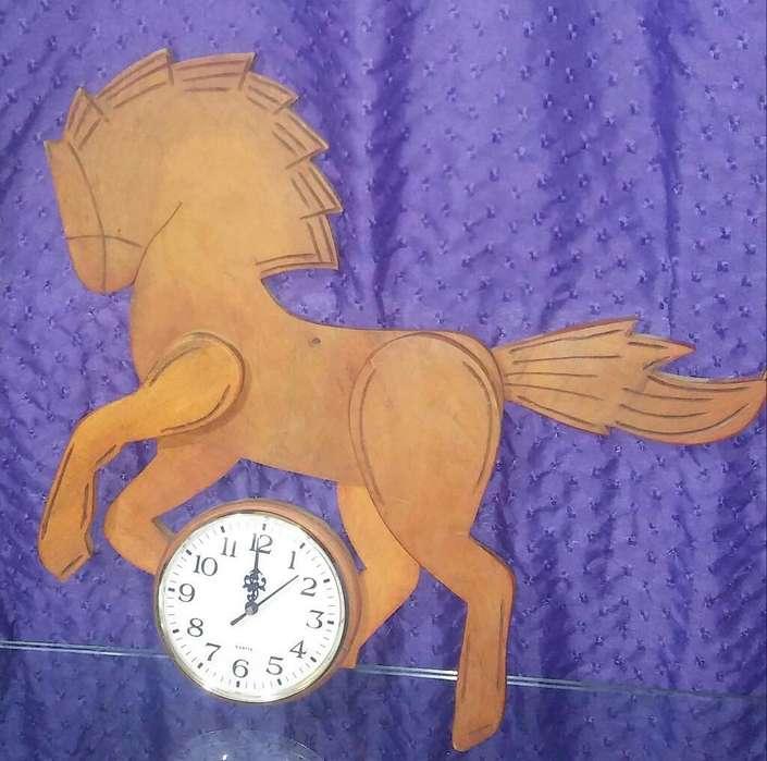 Reloj de Algarrobo