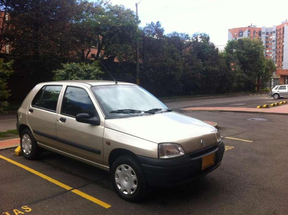 Renault Clio  1999 - 146700 km