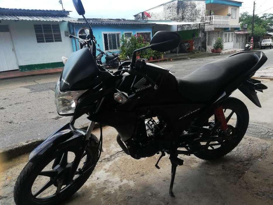 Vendo Moto Honda, Papeles Al Día