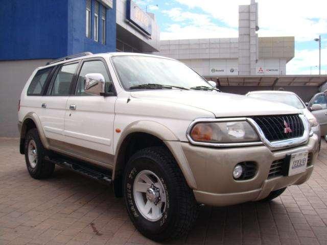 Mitsubishi Montero 2002 - 195000 km