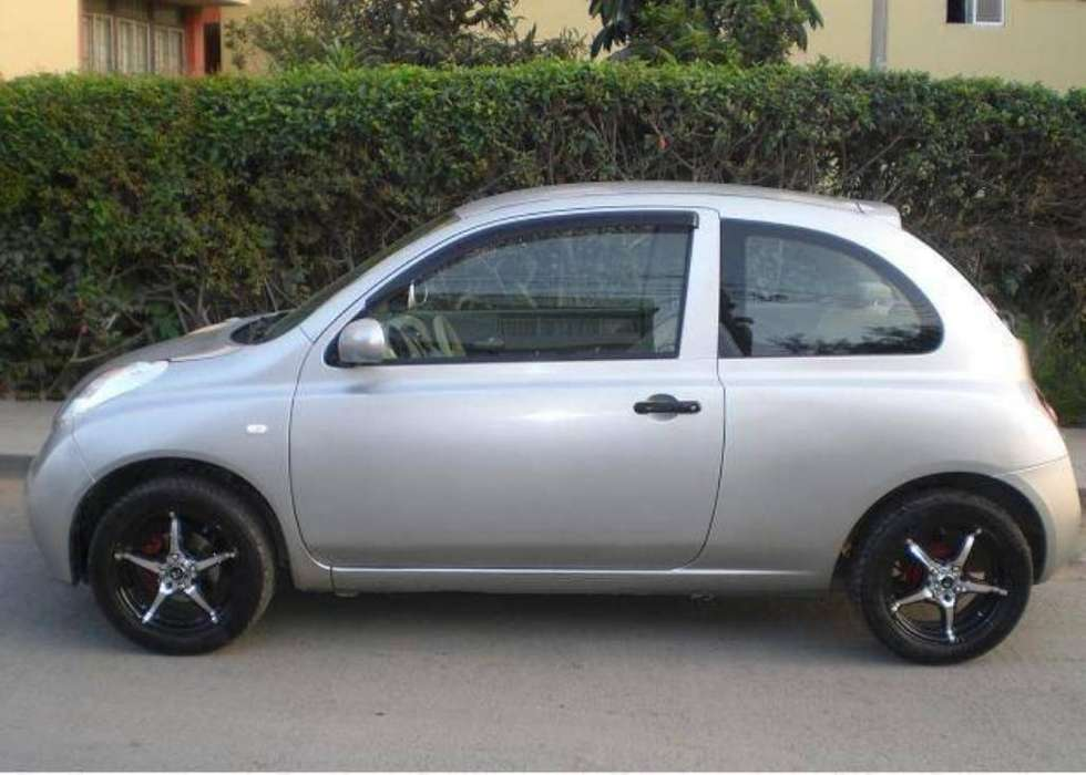 Nissan March 2003 - 111000 km