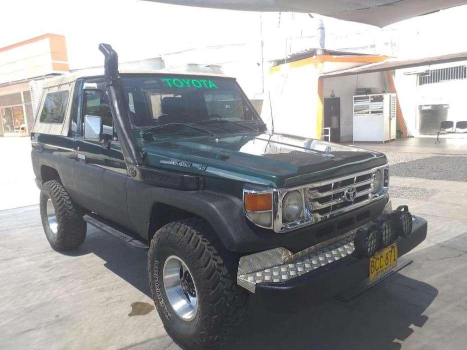 Toyota Land Cruiser 1993 - 200000 km