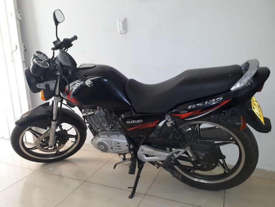 Vendo Moto Suzuki Gs 125 Modelo 2012