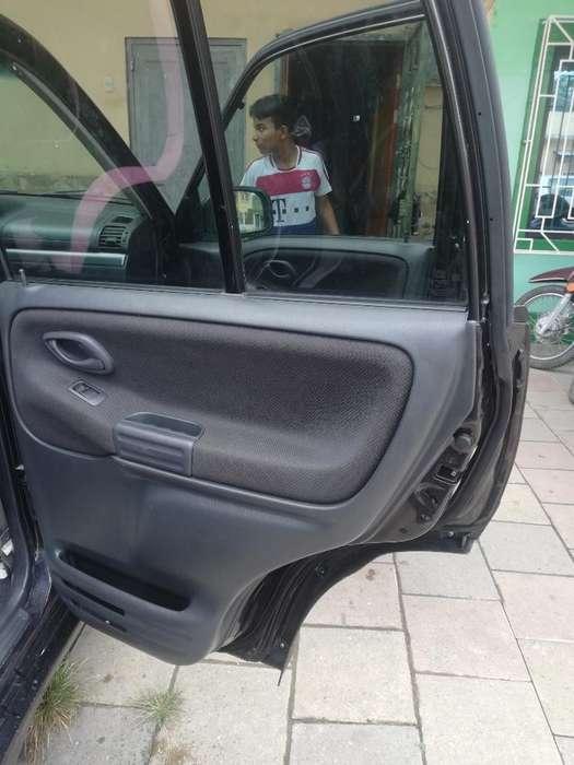 Chevrolet Grand Vitara 2015 - 128 km