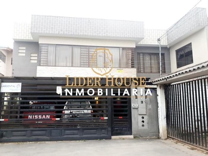 Se Vende Preciosa Casa Rentera de 2 Departamentos, Totoracocha, (Velodromo)