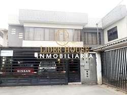 CRV48, Se Vende Preciosa Casa de 2 Departamentos, Totoracocha, (Velodromo)