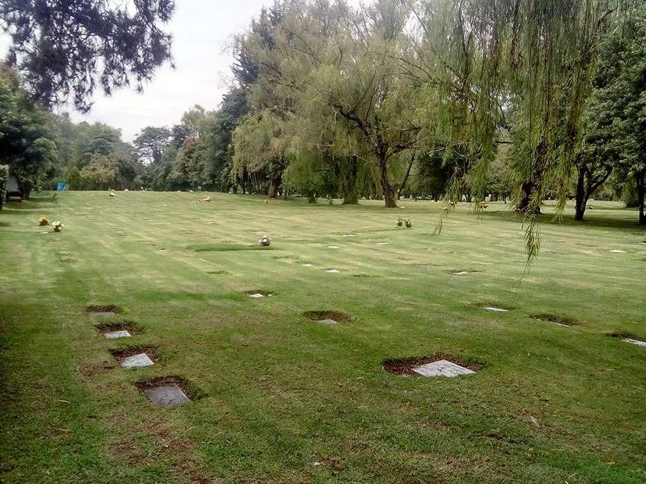 Lote en parque cementerio Jardines de Paz con servicios de inhumación