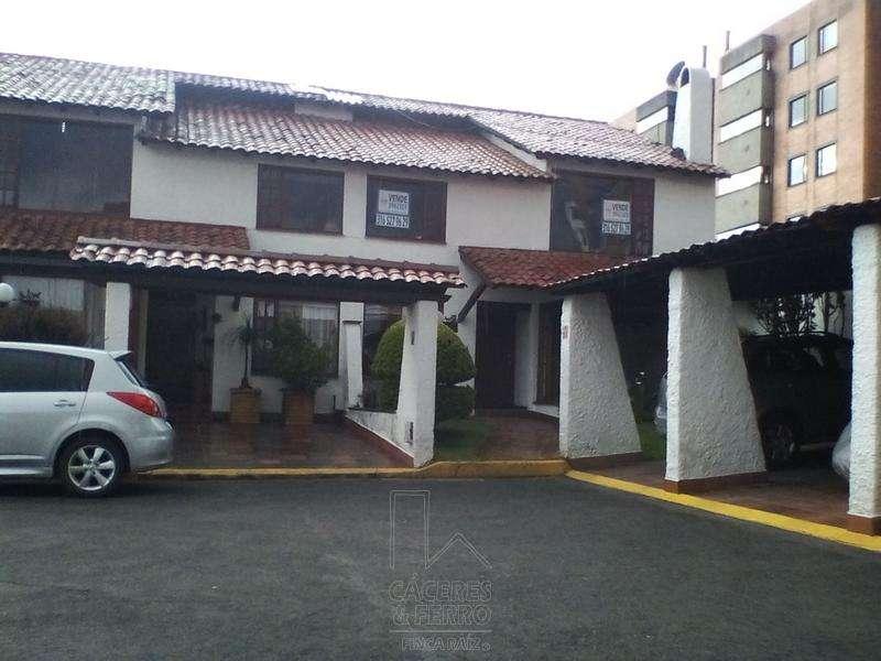 Casa En Venta En Bogota Andes Norte Cod. VBCYF20939