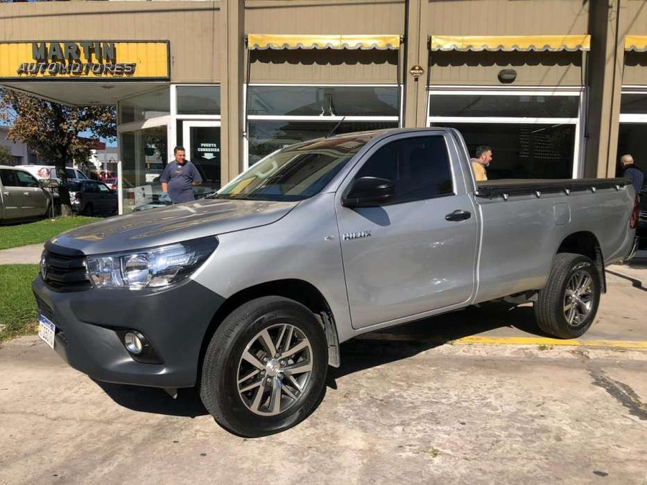 <strong>toyota</strong> Hilux 2017 - 11000 km