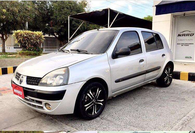 Renault Clio  2011 - 69000 km