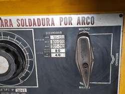 SOLDADORA RECTIFICADORA MERLE 350 AMP. MUY BUEN ESTADO