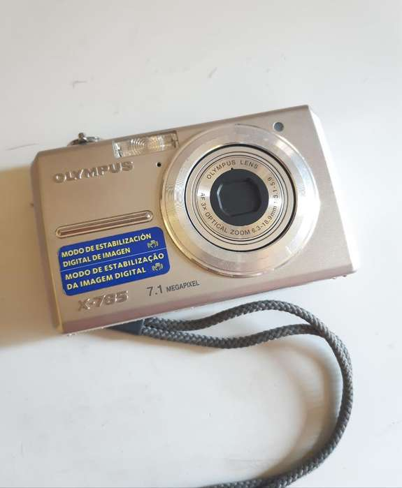 Camara Olympus X785