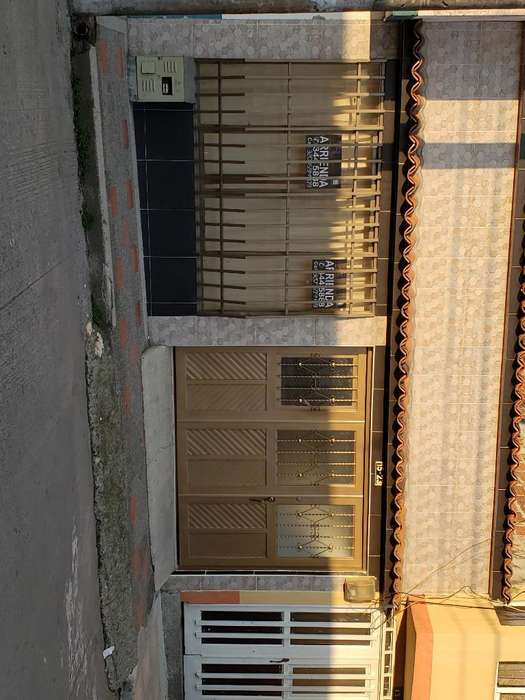 Arriendo Casa con <strong>local</strong> en Los Naranjos