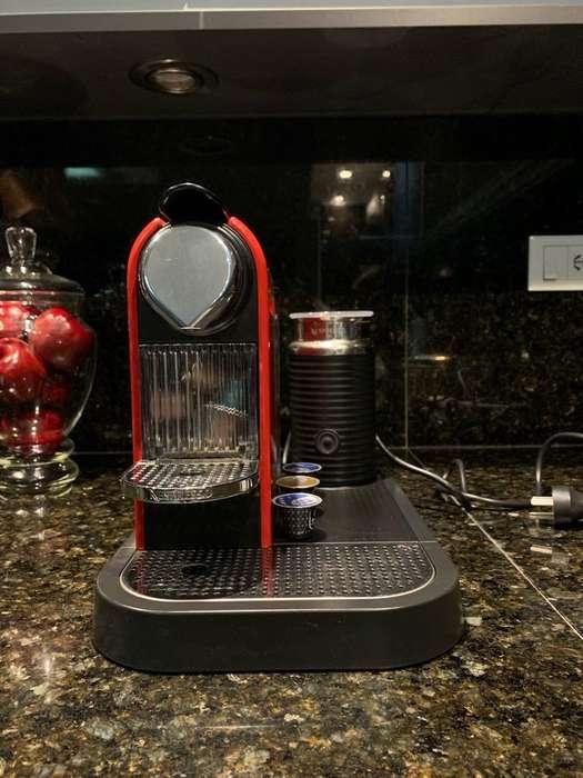 Cafetera Nexpresso Citiz & Milk - Roja