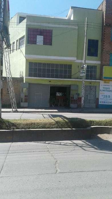 Vendo Casa 3 Pisos, Centrico Hvca/ica