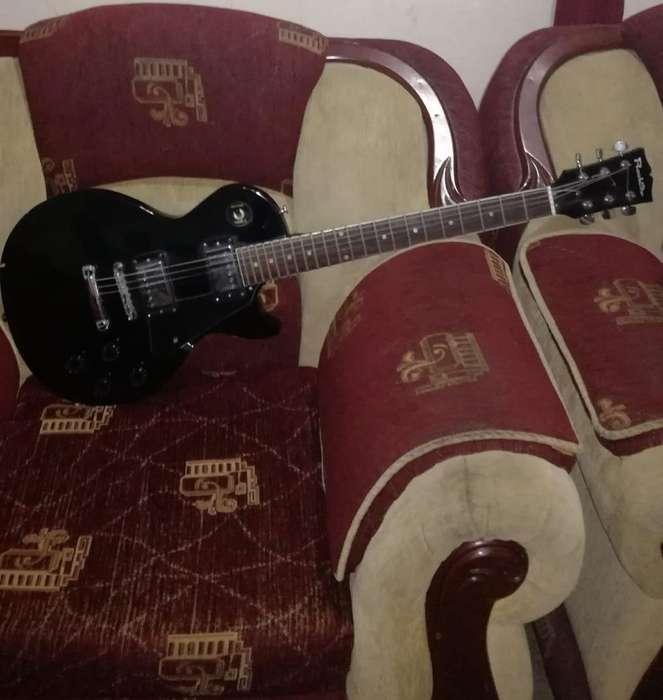 Hermosa Guitarra de Oportunidad