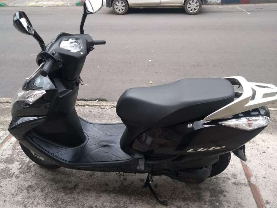 Vendo Honda Elite 2015 Excelente Estado.