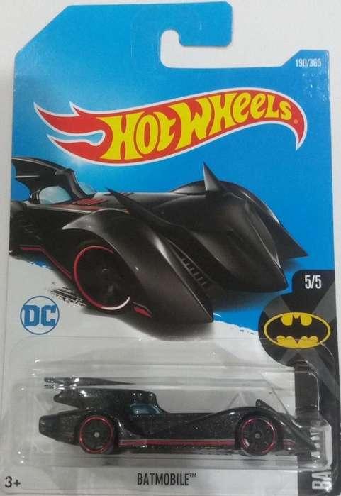 Hot Wheels DC Comics Batman Batmobile / 0992786809