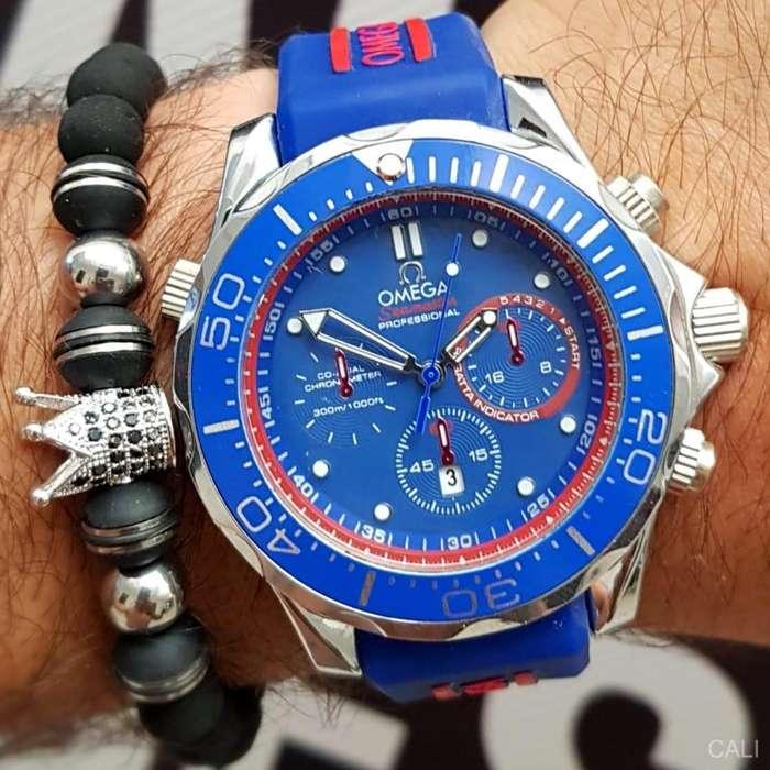 Reloj Omega color azul y plateado para hombre