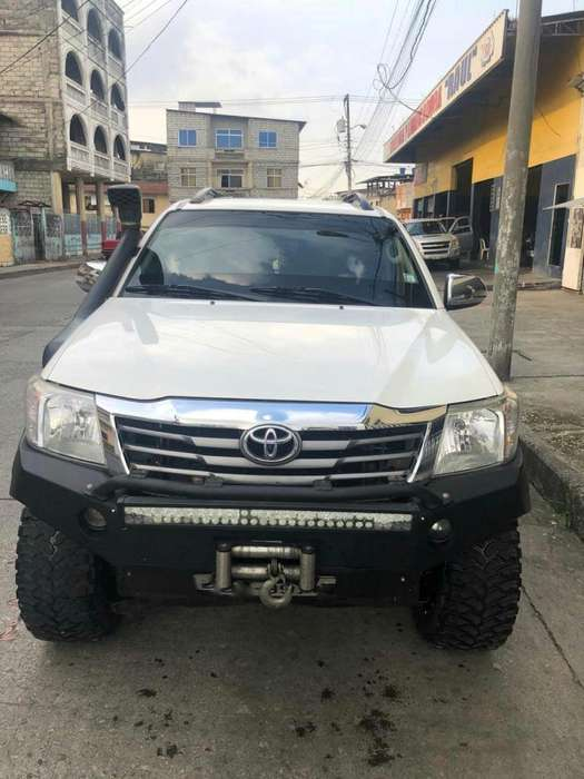 <strong>toyota</strong> Hilux 2015 - 130000 km