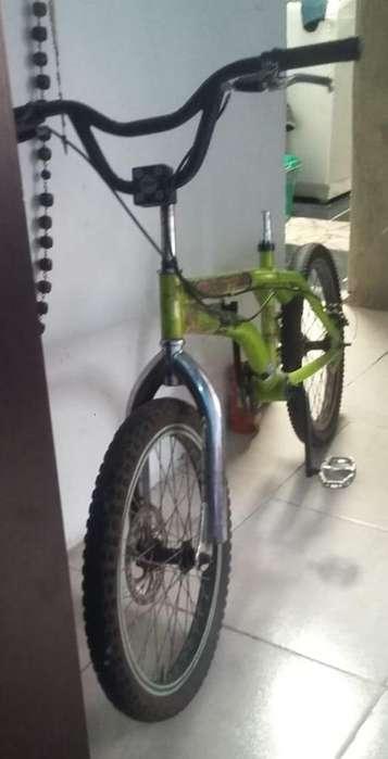 Bicicleta Gw en Proceso de Armado