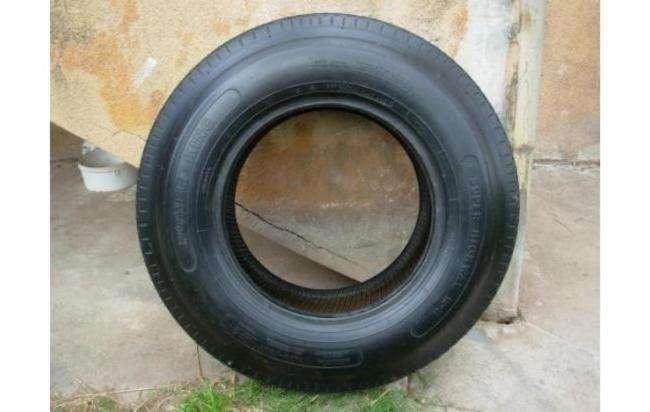 Vendo Neumático 7.00 X 15 lt nuevo sin uso, made in EEUU.