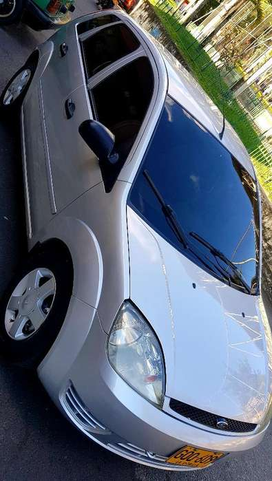 Ford Fiesta  2005 - 160000 km