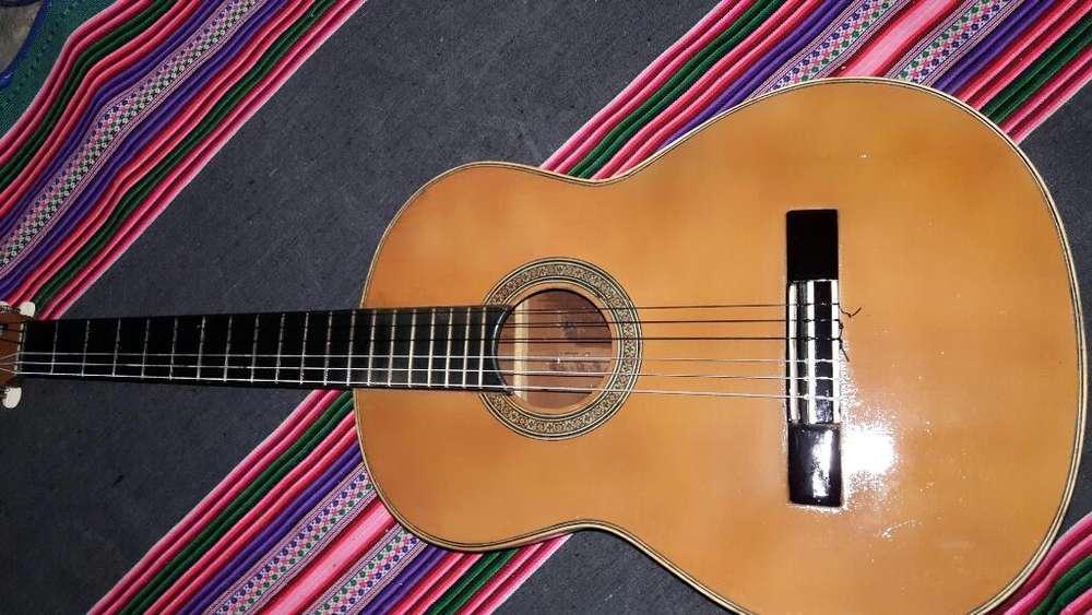 Vendo Guitarra de Madera Lima Callao