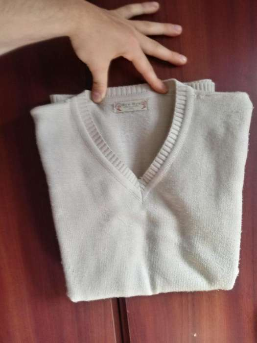 Suéter Crema Usado
