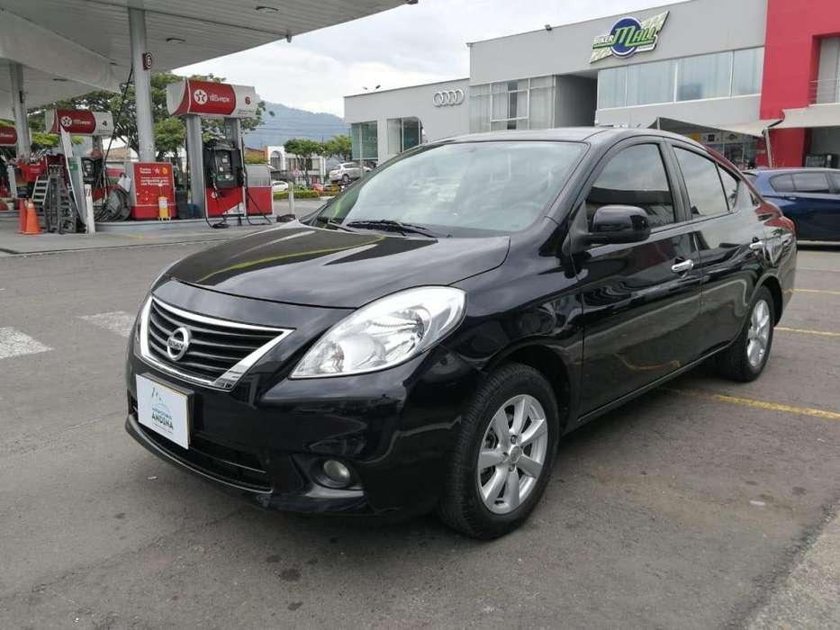 Nissan Versa 2013 - 85000 km