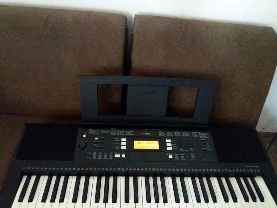 Piano Yamaha E343 en Excelente Estado