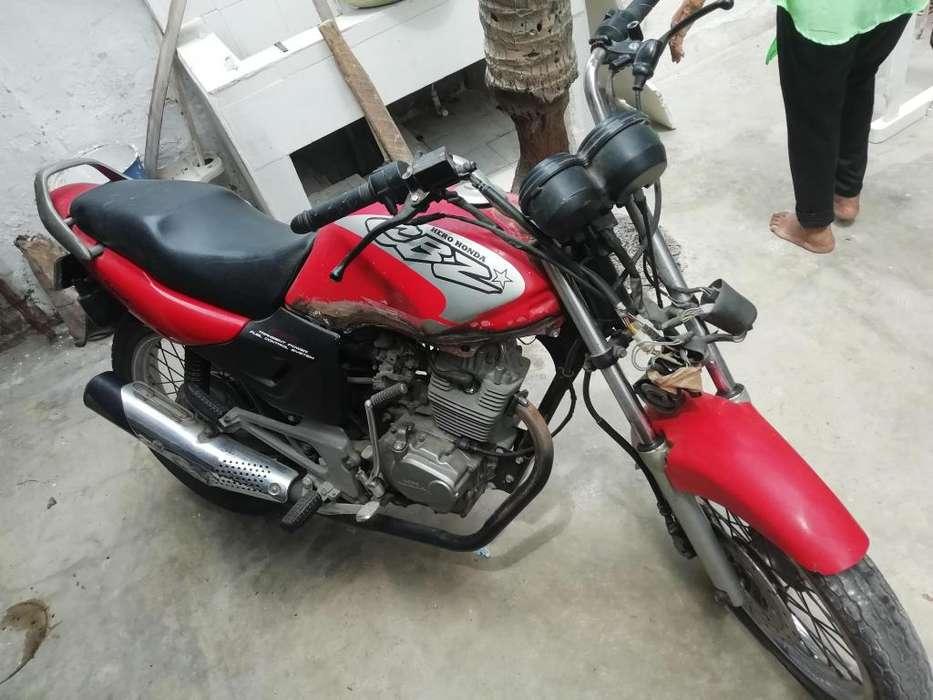 Vendo moto cbz honda 160 para reparar o comprar tanque en 1000000