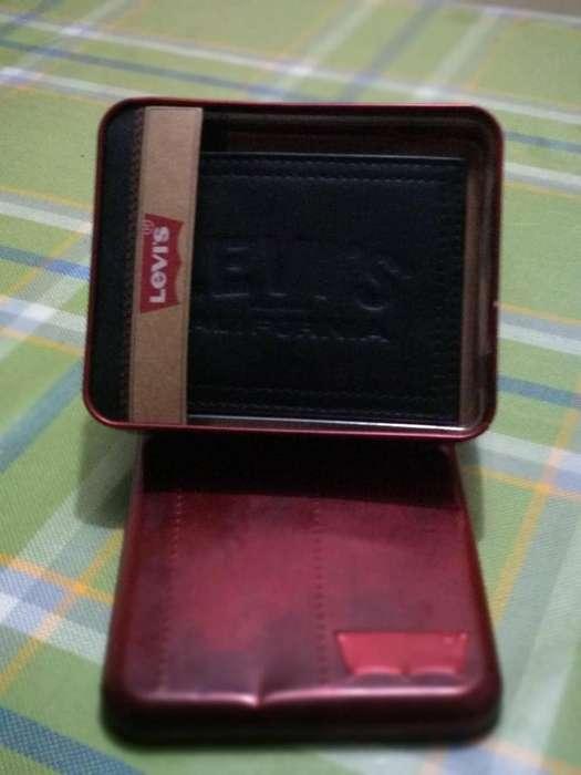 ca36ad1c8 Levis: Relojes - Joyas - Accesorios en venta en Azuay   OLX