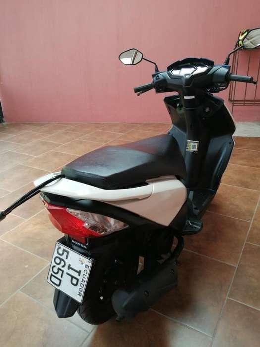 <strong>motoneta</strong> Honda