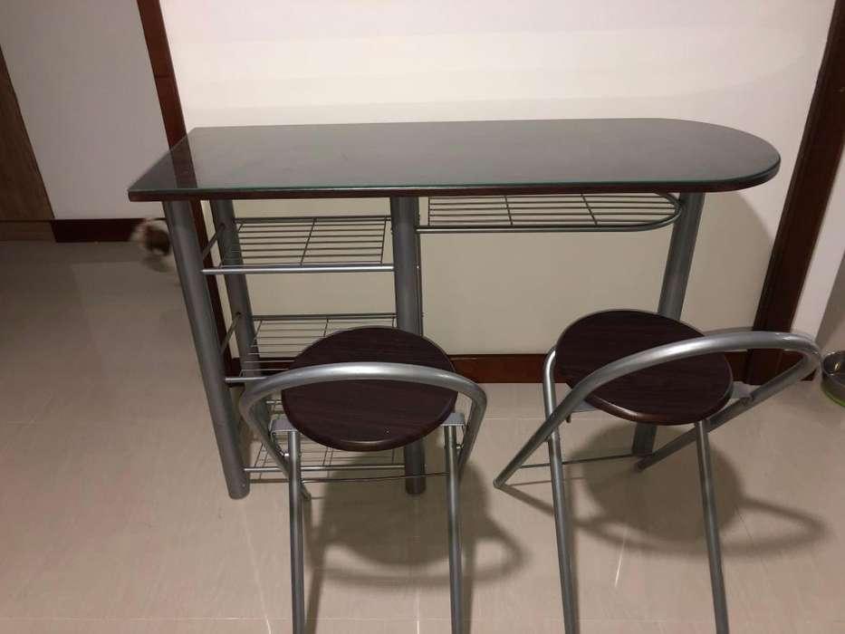 Barra con 2 sillas