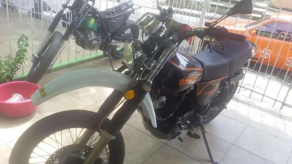 Moto Xt500