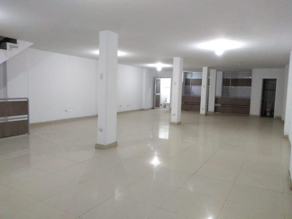 ALQUILER LOCAL COMERCIAL 1,200 (más IGV)-VILLA MARIA DEL TRIUNFO-4 pisos