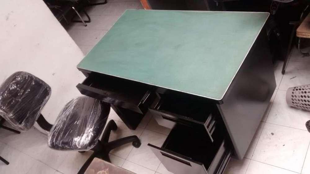 Vendo <strong>escritorio</strong>con Silla