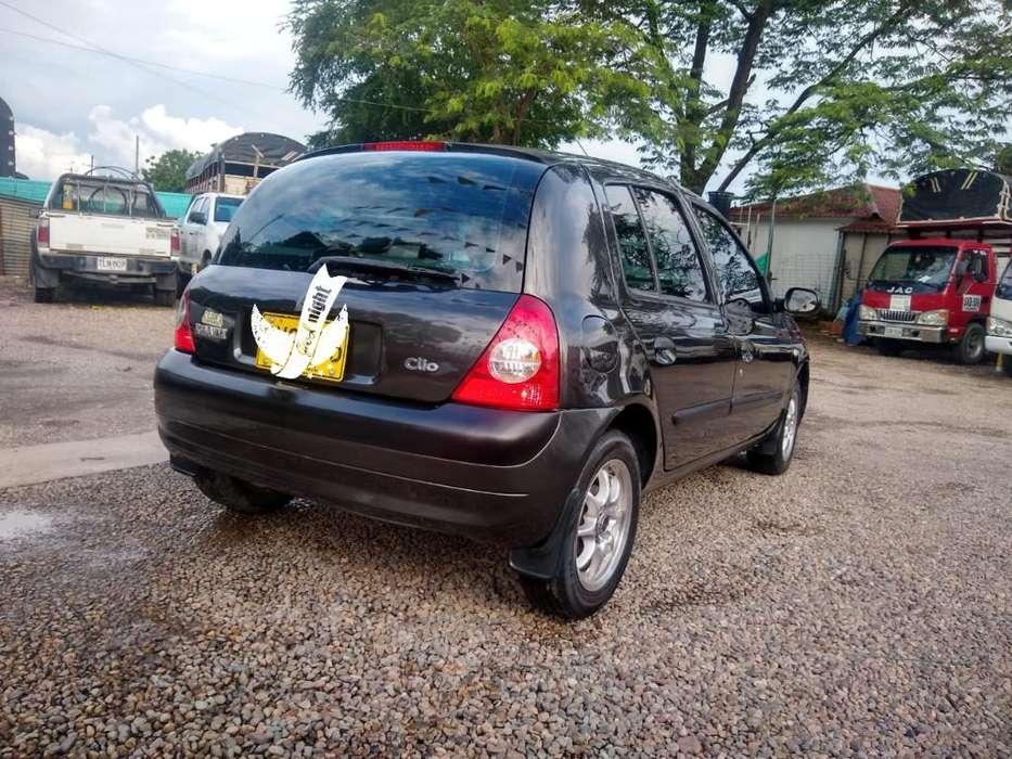 Renault Clio  2008 - 98900 km
