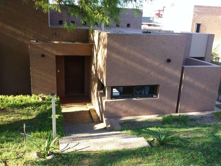 Dueño Alquila Hermosa Propiedad En Terrazas De Villa Allende