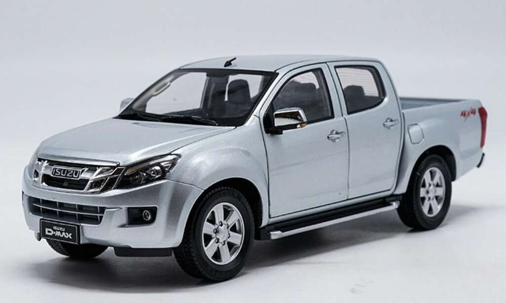 Carro a Escala Isuzu Luv Dmax 1:18