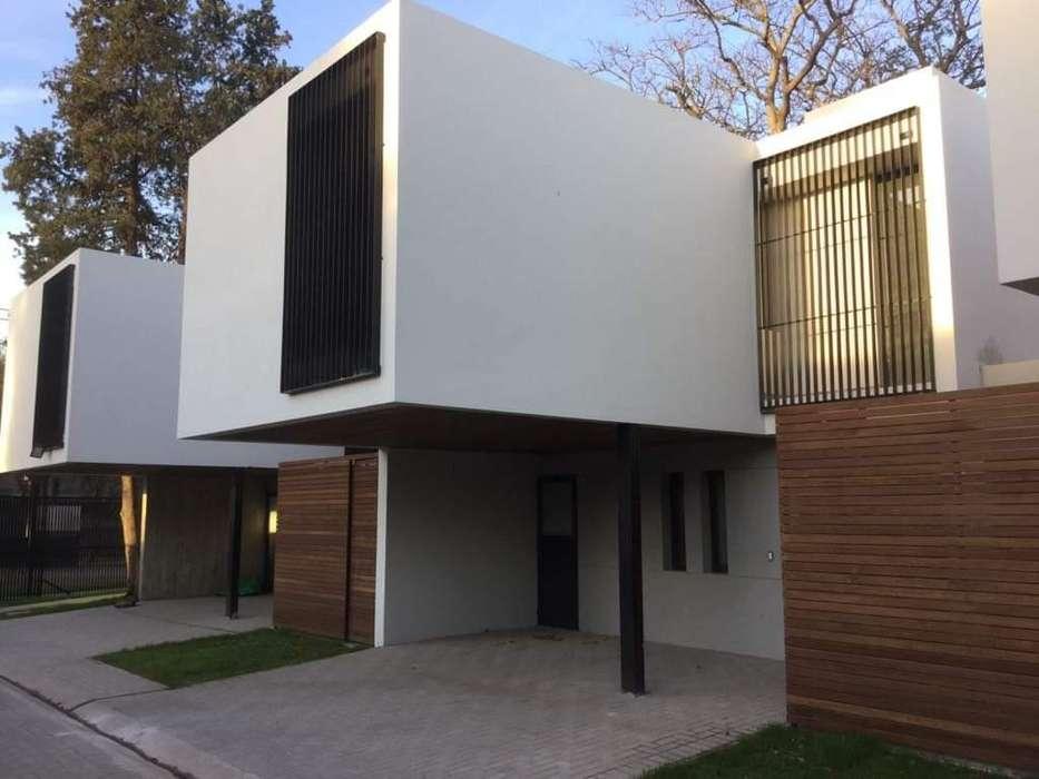 Casa en Venta - Barrio Cerrado -Villa Belgrano -Zona Norte 3