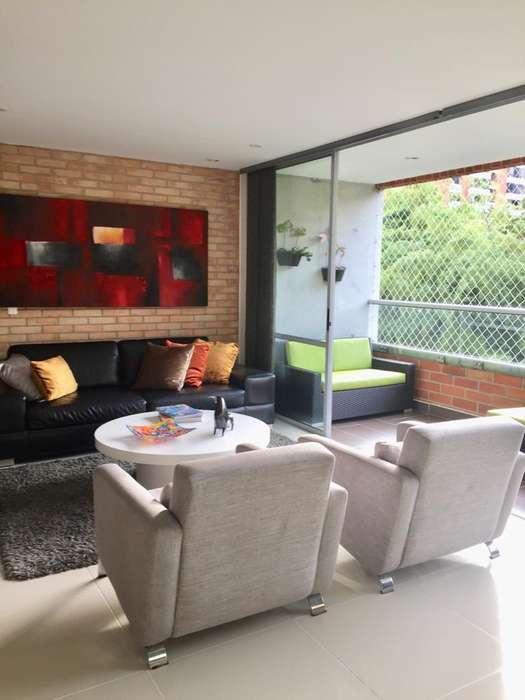 Venta de <strong>apartamento</strong> en la Loma del Chocho, Envigado. 036