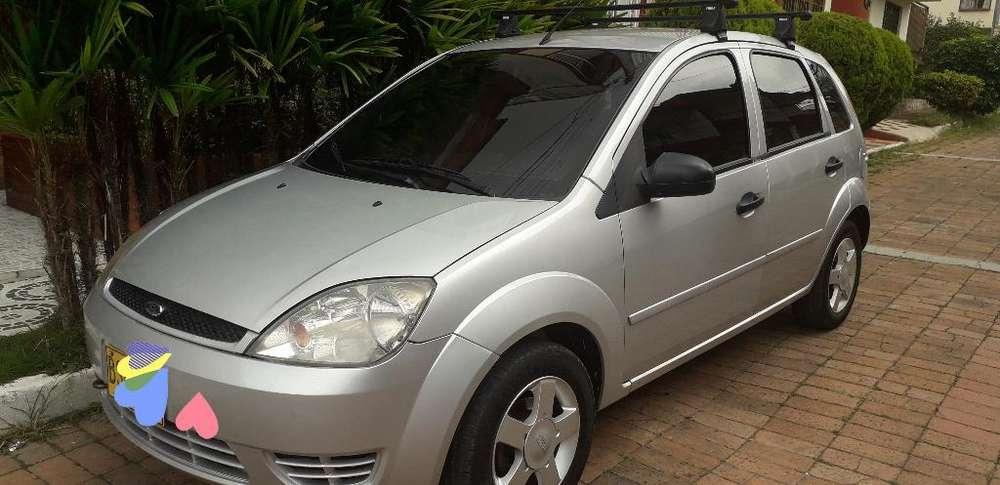Ford Fiesta  2005 - 145000 km
