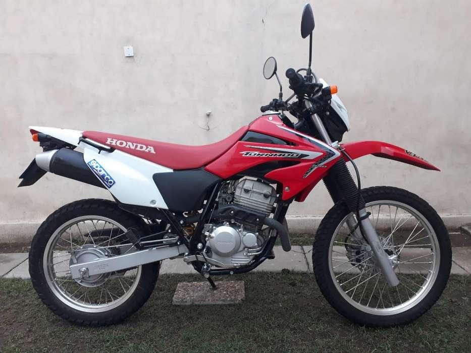 Honda Tornado XR250 como NUEVA