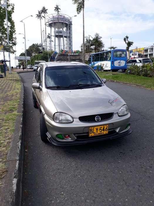 Chevrolet Corsa 4 Ptas. 2002 - 238854 km
